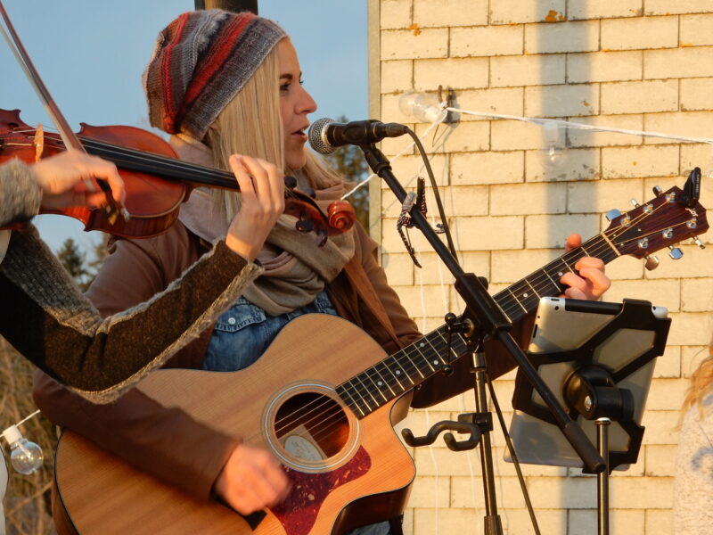 Enderlin Chicks, country pop, unplugged